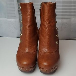 Ugg ankle boots NWT
